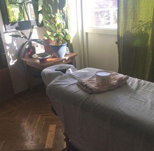 Massagebänk på mottagning Rosenbergsgatan